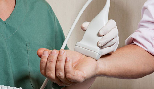 Nội soi khớp là phương pháp chẩn đoán chính xác bệnh viêm đa khớp dạng thấp